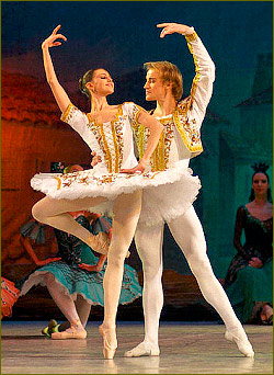 Banana Mogul Bankrolls Opera in St. Petersburg